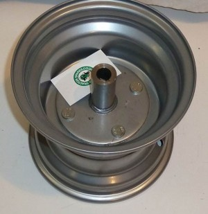 Westwood/Countax Tractor Rear Rim C/W Special Turned Hub 32701000